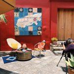 Intern Dakota takes photos for Andares del Arte in Oaxaca